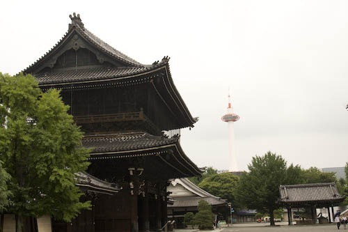 Kyoto Tower in contrast to the gate at Higashi Honganji.