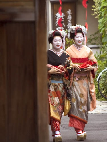 Maiko (apprentice geisha) in Gion, Kyoto