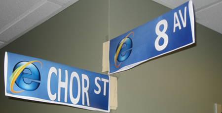 Chor and 8th street sign