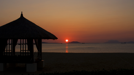 A lovely sunset at the Banyan Tree in Sanya.