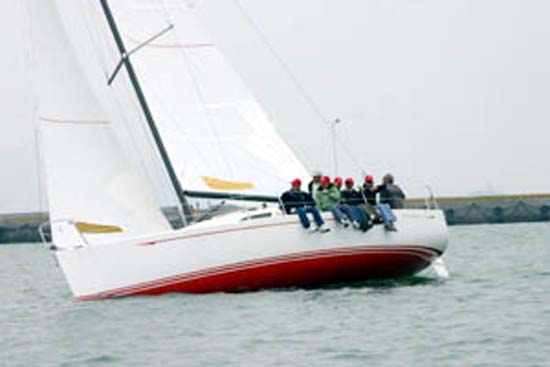 Flying Tiger 10m under sail