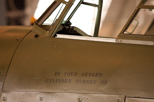 "Warning on a Hawker Hurricane asking ""Is your oxygen cylinder turned on"""